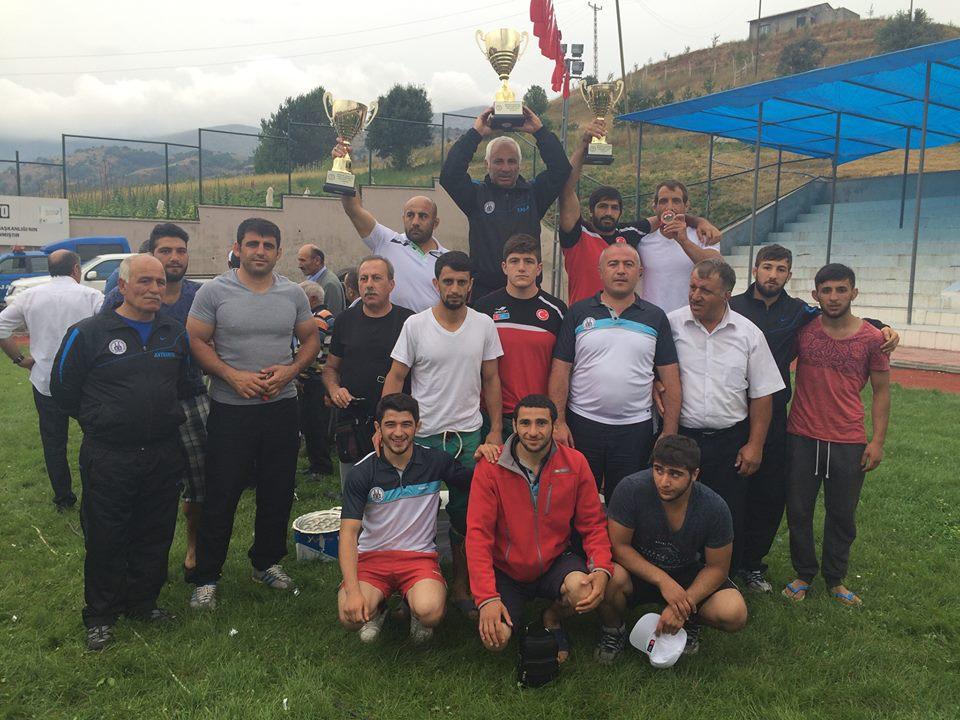 """Karakucakta Zirvenin Sahibi: """"Erzurum Büyükşehir Belediyesi"""""""